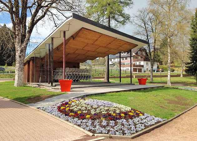 Musikpavillon Titisee-Neustadt, Baden-Württemberg, Deutschland, Mai 2019